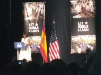 Young Roma women met Michelle Obama in an event for girls education in the world